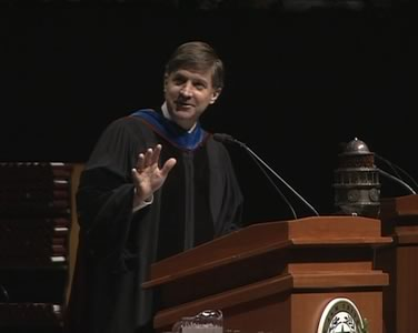 Will Wynn delivers the commencement address at Texas A&M